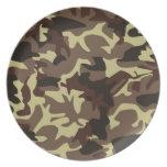 modelo marrón del camuflaje plato para fiesta