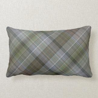 Modelo marrón gris verde de la tela escocesa almohada