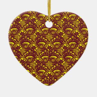 Modelo marrón y amarillo elegante del damasco del adorno navideño de cerámica en forma de corazón