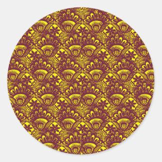 Modelo marrón y amarillo elegante del damasco del pegatina redonda