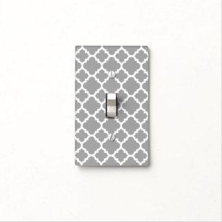 Modelo marroquí de Quatrefoil - gris claro y blanc Tapas Para Interruptores
