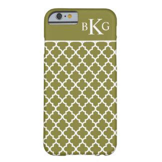 Modelo marroquí y monograma del verde verde oliva funda de iPhone 6 barely there
