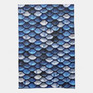 Modelo metálico de las escalas de pescados del toallas de cocina