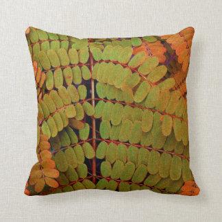 Modelo minúsculo de las hojas cojín decorativo