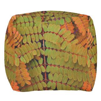 Modelo minúsculo de las hojas puf de exterior