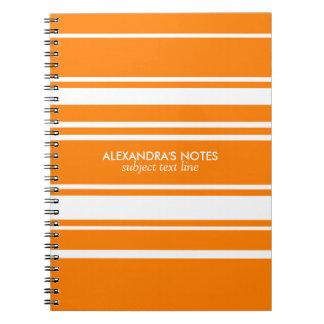 Modelo moderno del naranja y blanco de las rayas spiral notebooks