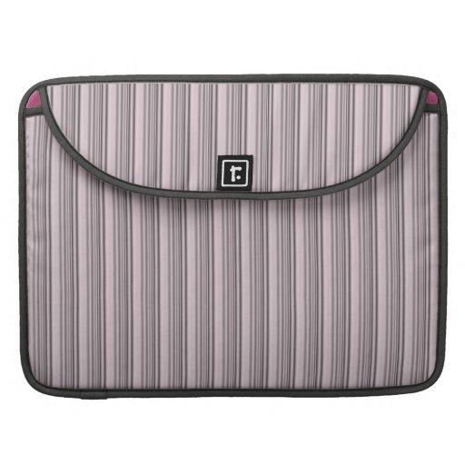 Modelo moderno negro rosado femenino de las rayas fundas para macbooks