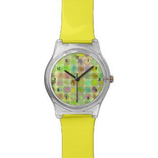 Modelo multicolor de las manos relojes