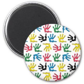 Modelo multicolor de los handprints imán redondo 5 cm