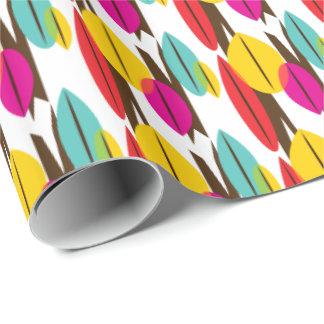 Modelo multicolor retro abstracto de la hoja papel de regalo