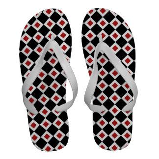 Modelo negro, blanco, rojo del diamante sandalias