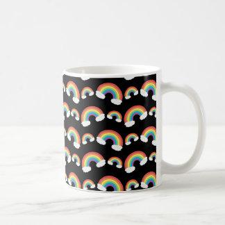 Modelo negro de los arco iris taza básica blanca