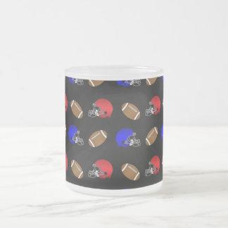 Modelo negro de los cascos de fútboles taza de cristal