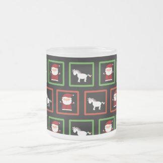 Modelo negro de Papá Noel de los unicornios Taza Cristal Mate