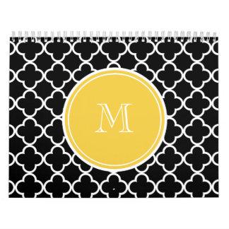 Modelo negro de Quatrefoil, monograma amarillo Calendario De Pared
