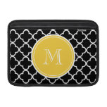 Modelo negro de Quatrefoil, monograma amarillo Fundas Macbook Air
