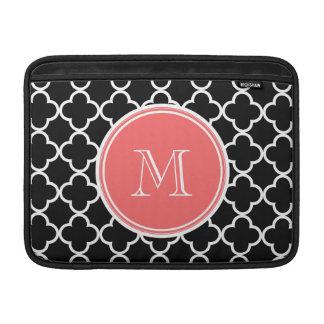 Modelo negro de Quatrefoil monograma coralino Fundas Macbook Air