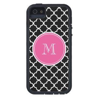 Modelo negro de Quatrefoil monograma de las rosas iPhone 5 Case-Mate Cárcasas