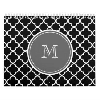 Modelo negro de Quatrefoil, monograma gris Calendarios De Pared
