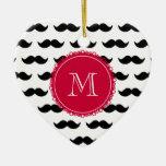 Modelo negro del bigote, monograma rojo ornamentos de reyes
