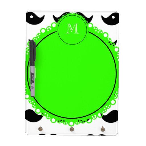 Modelo negro del bigote, monograma verde pizarras blancas de calidad