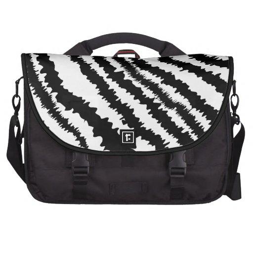 Modelo negro del estampado de zebra bolsas de portatil