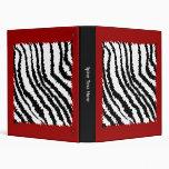 Modelo negro del estampado de zebra en de color ro