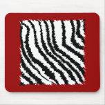 Modelo negro del estampado de zebra en de color ro alfombrillas de ratón