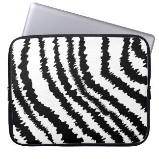 Modelo negro del estampado de zebra mangas computadora