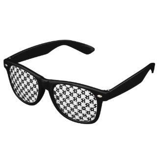 Modelo negro del tablero de damas lentes de sol