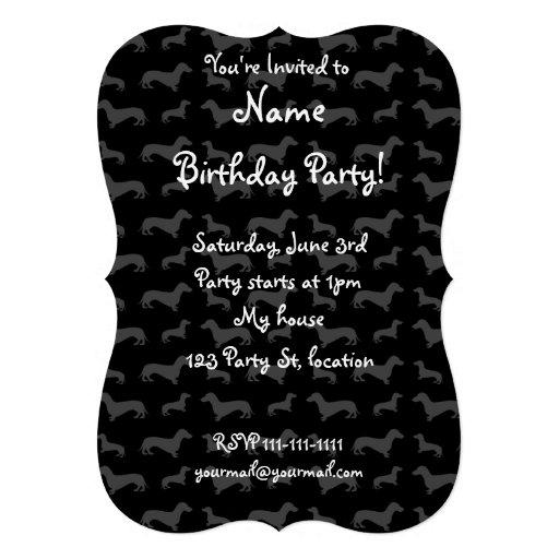 Modelo negro lindo del dachshund invitacion personalizada