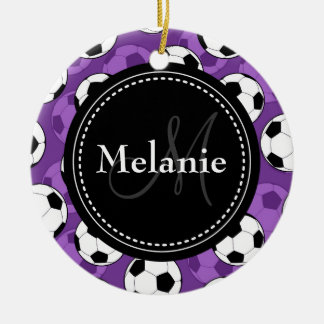 Modelo negro púrpura con monograma del balón de adorno navideño redondo de cerámica