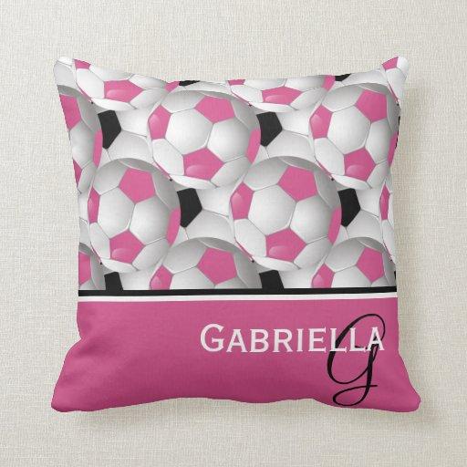 Modelo negro rosado del balón de fútbol del monogr cojin