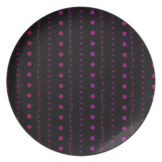 modelo negro y rosado de la raya platos