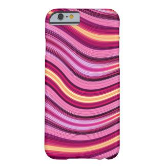 Modelo ondulado de las rayas del rosa y del funda de iPhone 6 barely there