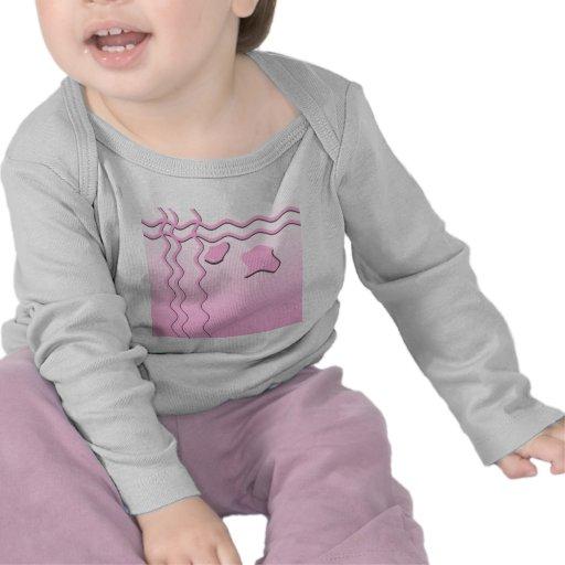 Modelo ondulado rosa claro y blanco camisetas