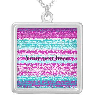 Modelo ondulado rosado y azul psicodélico colgante cuadrado