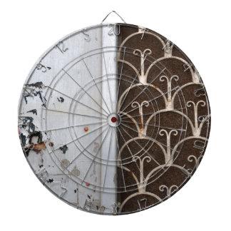 modelo oxidado de la puerta de madera tabla dardos