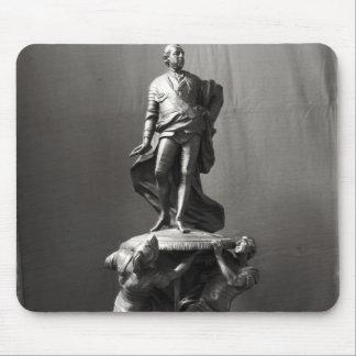 Modelo para el monumento de Louis XV Tapetes De Ratón