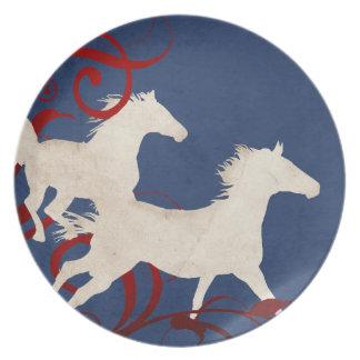 Modelo patriótico de los caballos que trotan plato para fiesta