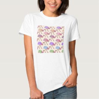 Modelo pintado acuarela de la avestruz camisas