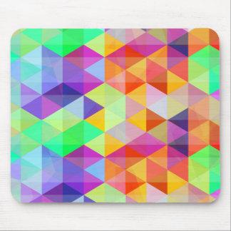 Modelo poligonal del triángulo colorido mouse pads