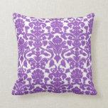 Modelo profundo lindo del damasco de la lila cojines