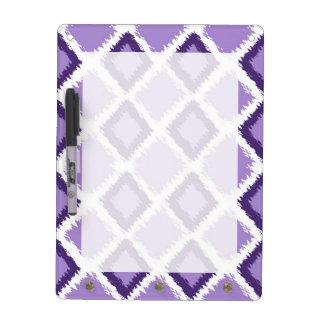 Modelo púrpura de Ikat del diamante Pizarras Blancas