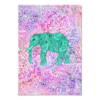 Modelo púrpura de la alheña del elefante tribal de