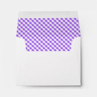 Modelo púrpura de la guinga sobres