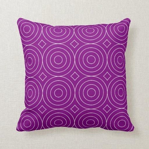 Modelo púrpura de los círculos de las obras cojín