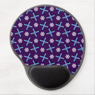 modelo púrpura de los esquís y de los copos de nie alfombrilla de raton con gel