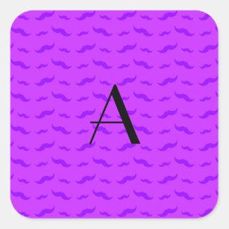 Modelo púrpura de neón del bigote del monograma pegatina cuadrada