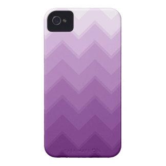 Modelo púrpura de Ombre Chevron Case-Mate iPhone 4 Cárcasas